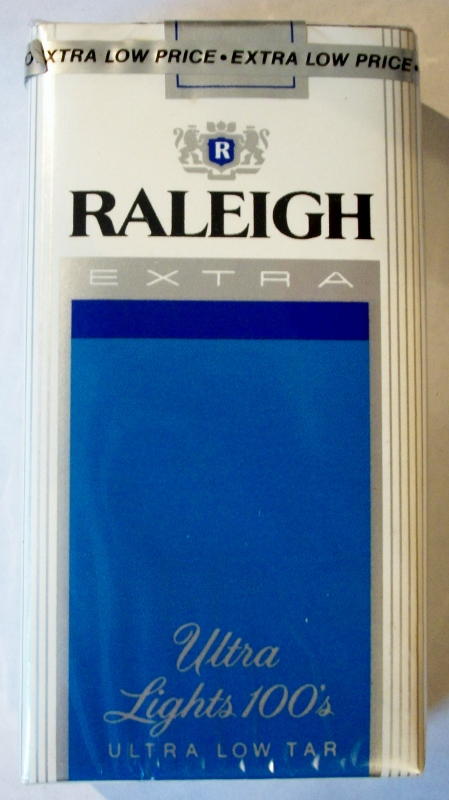 Raleigh Extra Ultra Lights 100's - vintage American Cigarette Pack