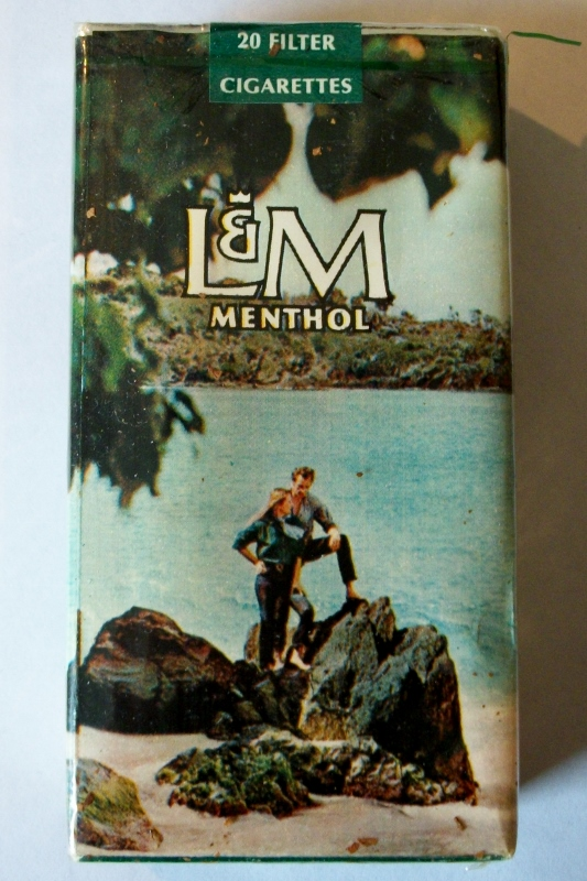 L & M Menthol Filter 100's 19666-1970 - vintage American Cigarette Pack