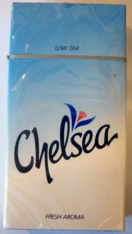 Chelsea fresh aroma 100mm box - vintage American Cigarette Pack