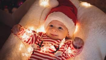 Зворушливі новорічні малюки, що торкнуться глибини душі кожного