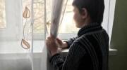 Дощ дріботів, не перестаючи, вже тиждень.Віталік хотів вибратися на своє улюблене вікно, але Оленка сказала, що до нього прийшли.  ─ Там тебе мама чекає!─ шепотіла Оленка