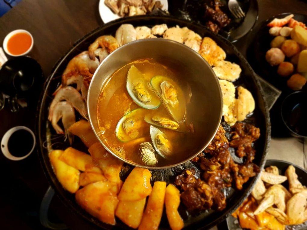 D' Kayangan Steamboat BBQ Grill