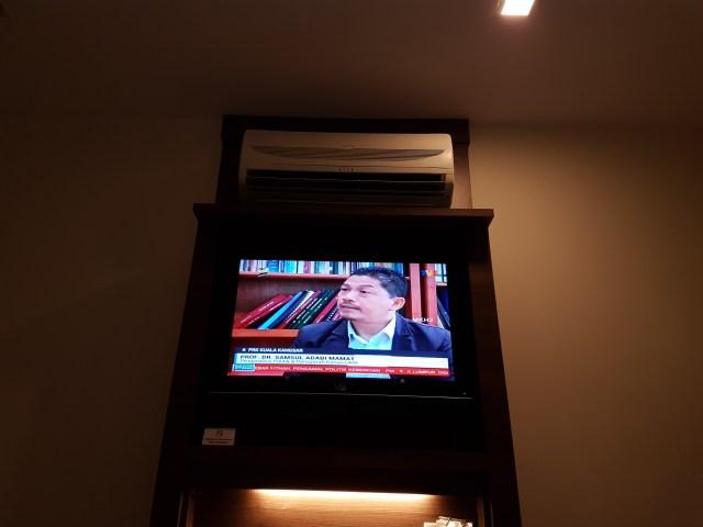 Ruang Santai Menonton TV dan Sebagainya | Frenz Hotel Kuala Lumpur