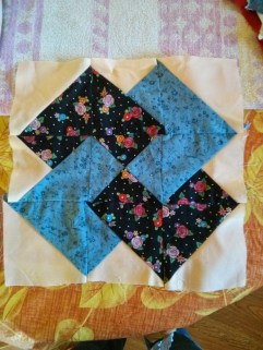 http://www.quilt-lovers-guide.com/card-trick-quilt-block.html