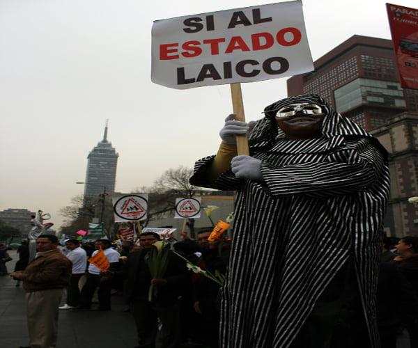estadolaico_CésarMartínezLópez