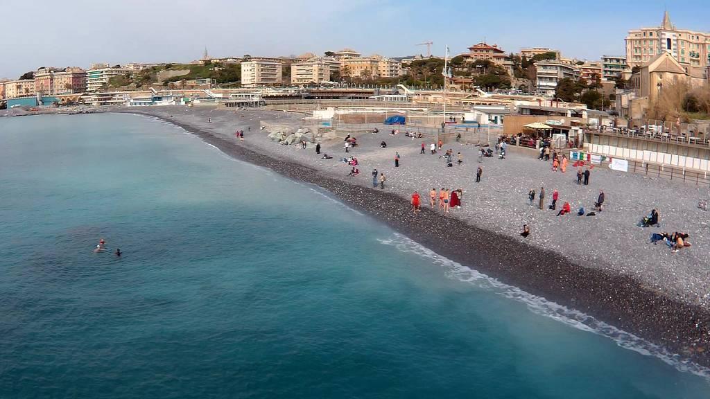 Bagni Blu Beach Vado Ligure : Play beach migliori spiagge bagni beach club stabilimenti