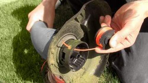 How to Change a Coil On a Trimmer