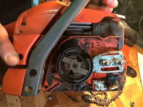 How to Remove an Asterisk From a Stihl Chainsaw
