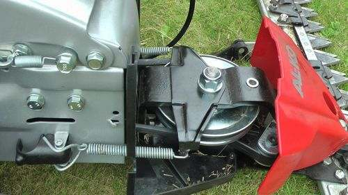 How to Tighten an Al-Ko Lawn Mower Belt