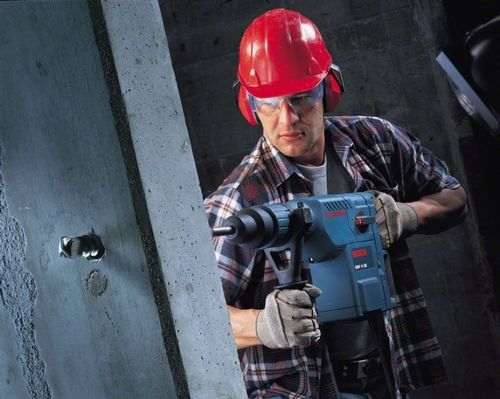 what is the difference between a hammer drill and a hammer drill