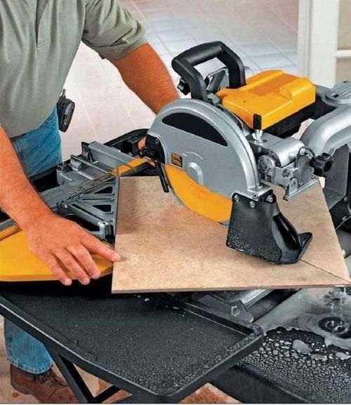 what is a circular saw for