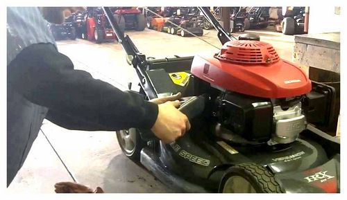 How Much Oil To Pour Into The Mower Engine