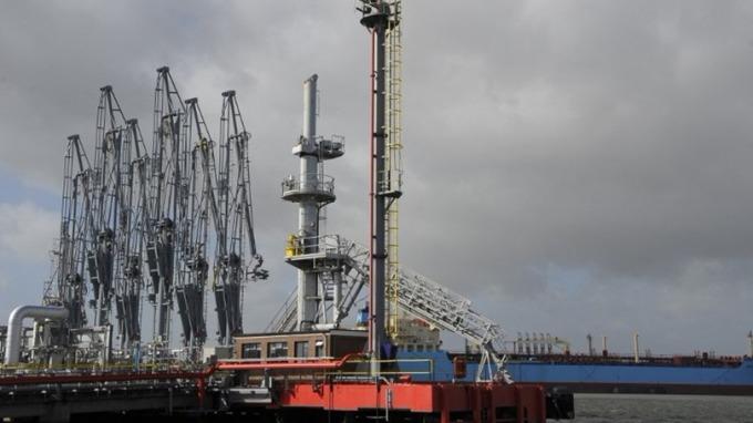 彭博調查:美原油產量爆炸式增長 交易員轉看空原油前景 | Anue鉅亨 - 能源
