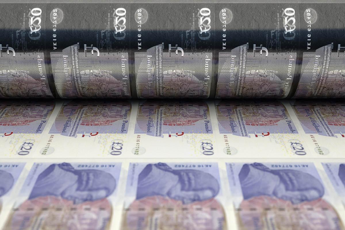 Photo of British Money Printer Goes BRRR: Bank to Buy USD 125bn of Bonds