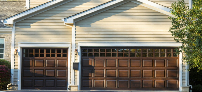 What to Do if a Garage Door Opener Chain Goes Track