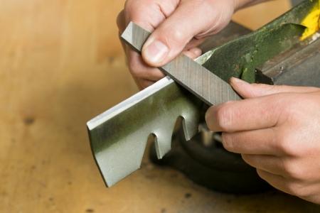 Sharpen the blade