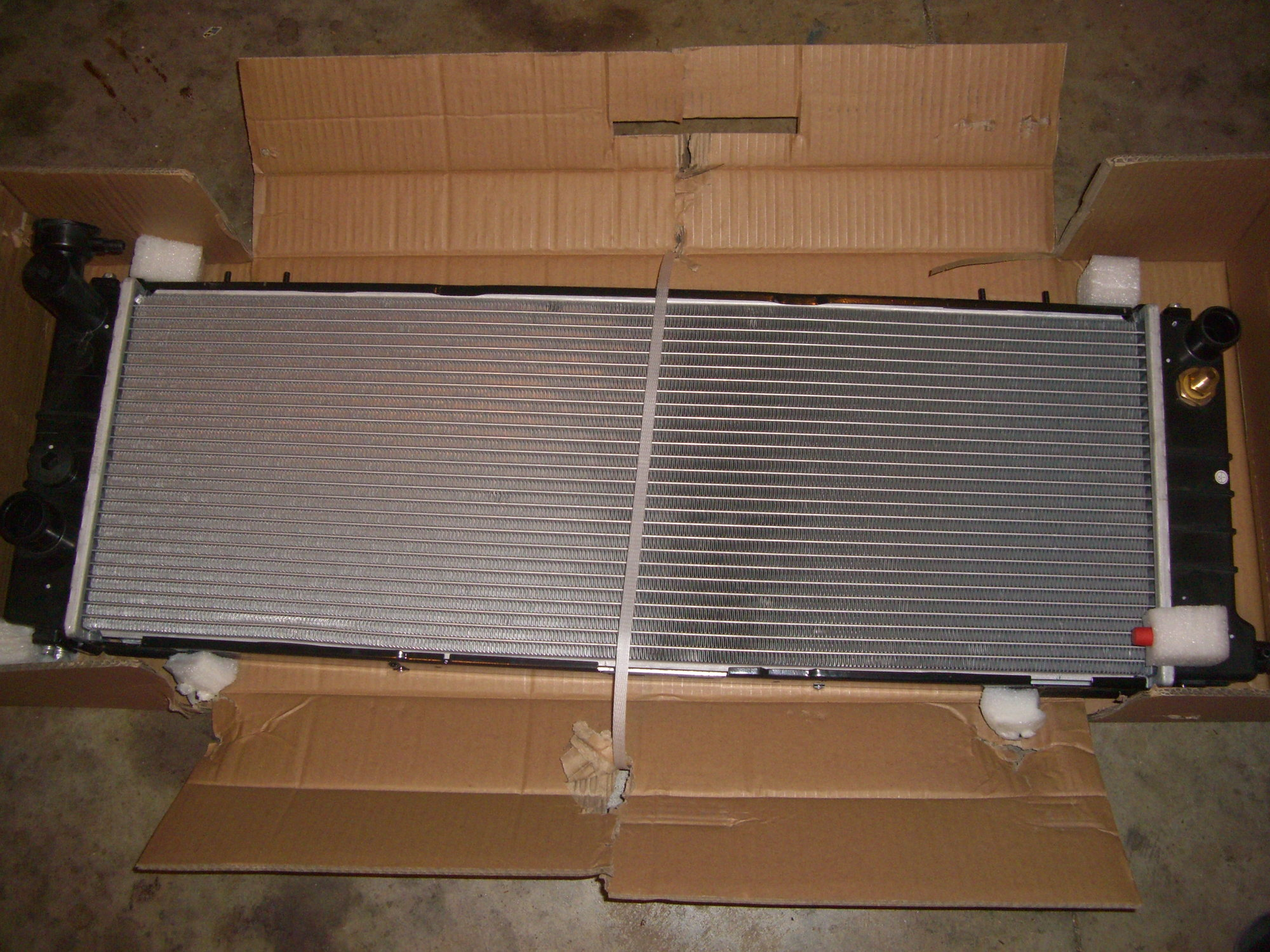 hight resolution of i am trying to use the jeep xj postal carrier radiator the only difference is this radiator is a 2 row and it has a core height in 11 1 8 inch as