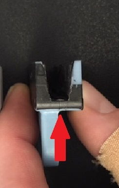 Broken window clip with red arrow