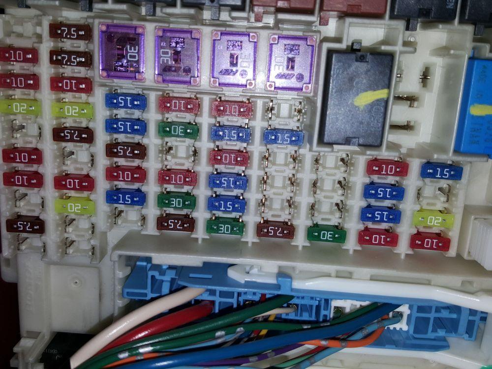 medium resolution of fuse panel honda jazz 2010