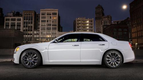 small resolution of 2013 chrysler 300 motown edition