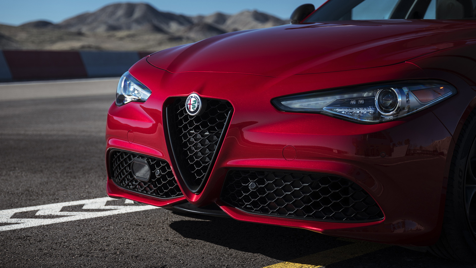 Alfa Romeos Nero Edizione Package For Giulia And Stelvio Debuts In