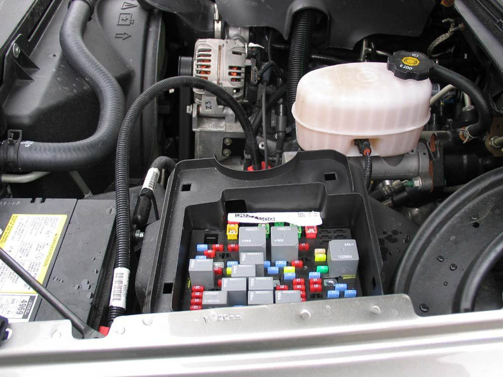 hight resolution of 2006 gmc van fuse box location