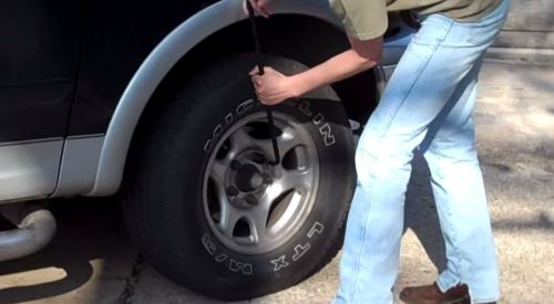 small resolution of step 2 remove flat tire