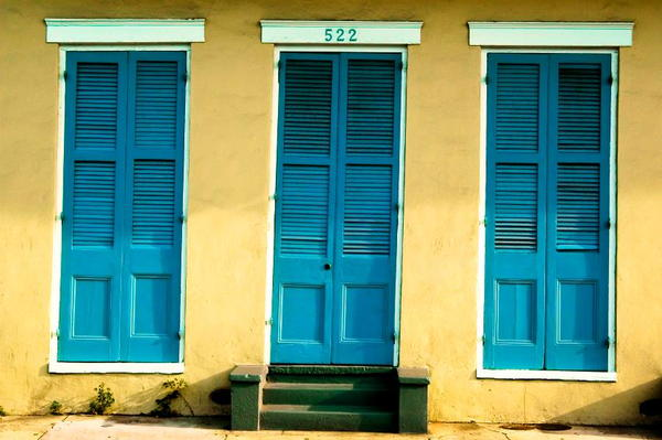 How to Paint a Louvered Door  DoItYourselfcom