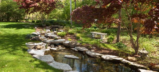 Edging A Garden Pond DoItYourself Com