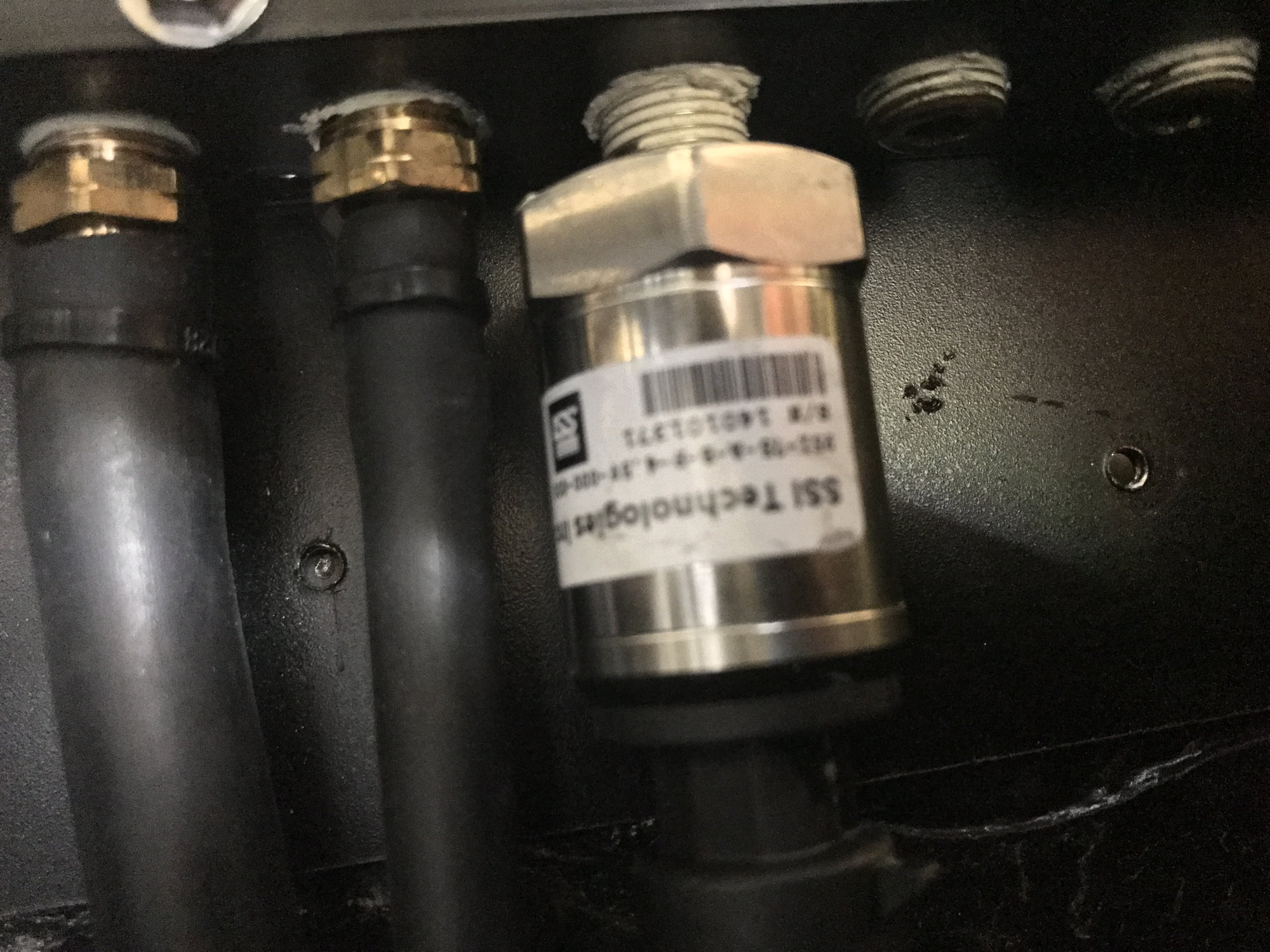 hight resolution of i had the exact same issue with that particular sensor i run the holley system so i ended up going with their 5 bar it looks like a pressure transducer