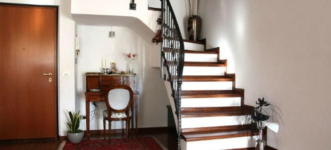 5 Non Slip Tread Ideas For A Wooden Staircase Doityourself Com | Carpet For Garage Stairs | Concrete | Stair Riser | Concrete Stairs | Stair Runner | Garage Floor