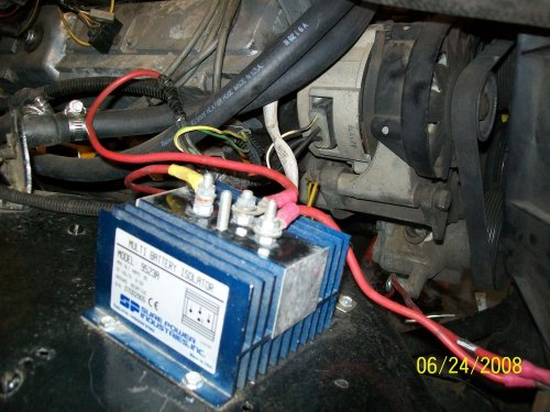 small resolution of battery isolator mounted on the fender with 2g alternator behind it the two black wires on the alternator plug are joined to the center red wire on the