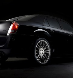 2013 chrysler 300c john varvatos limited edition [ 1600 x 900 Pixel ]