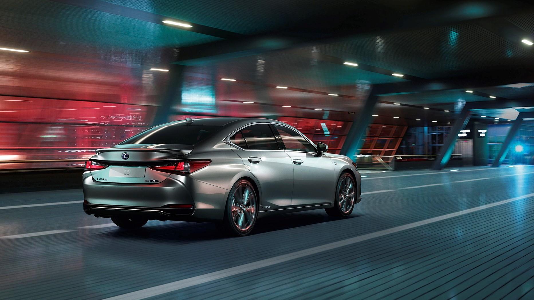 2019 Lexus Es Revealed Features 44 Mpg 300h Hybrid Sedan
