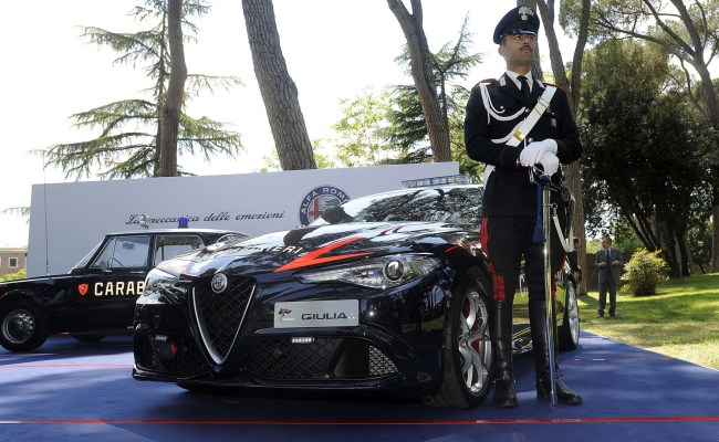 Italian Police Get Their Hands On Alfa Romeo S Giulia