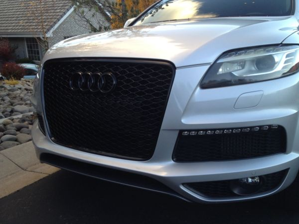 Audi Q7 Grill Cars - Year of Clean Water