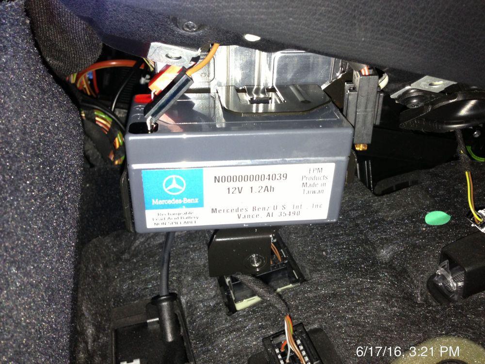 medium resolution of mercedes benz 300d fuse box diagram