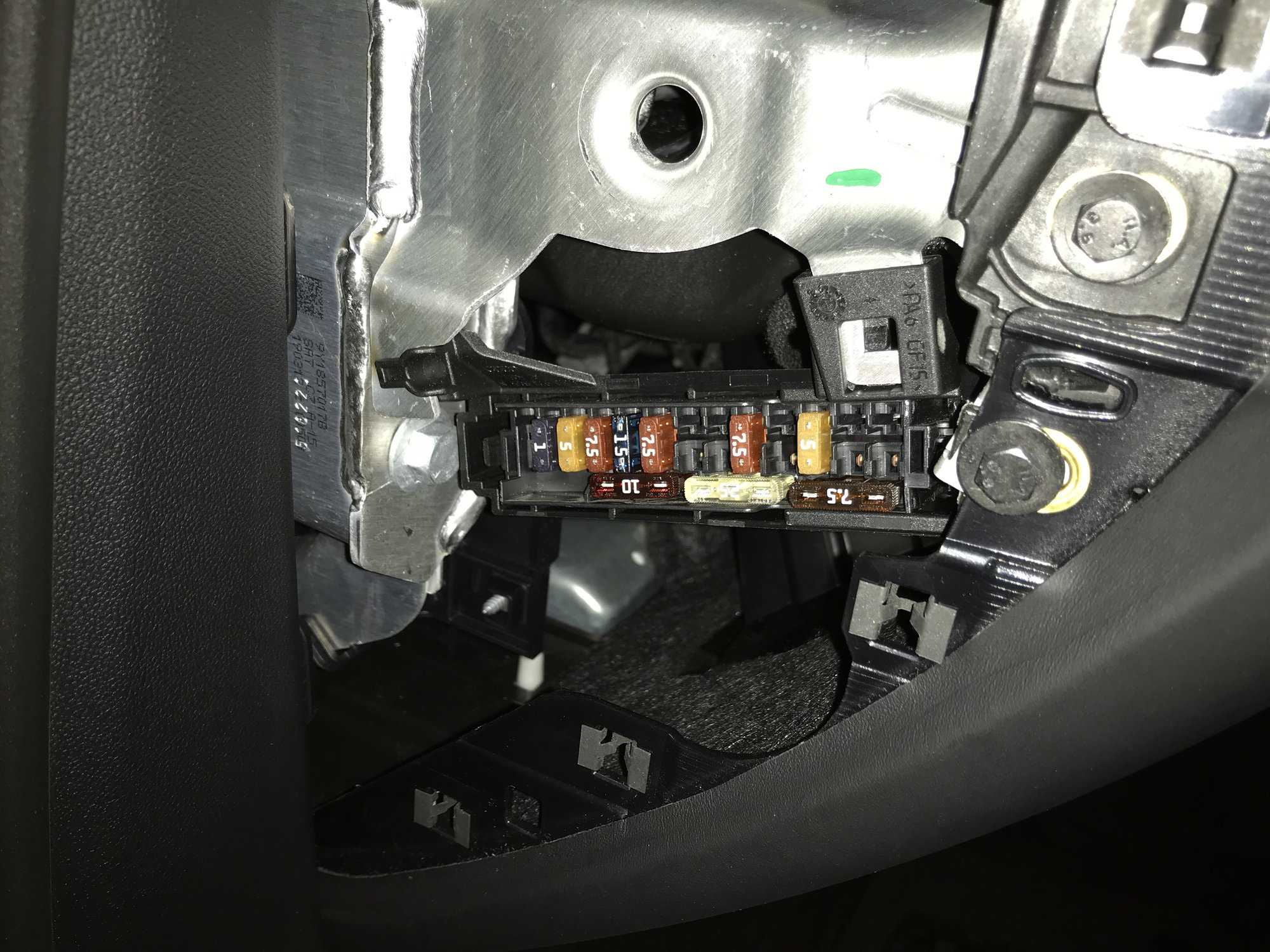 hight resolution of anyone know if there s a switched 10amp fuse here to power radar