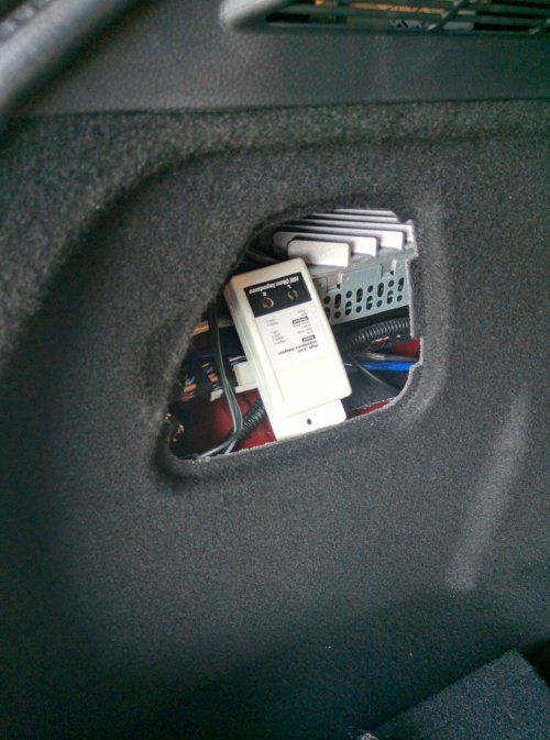 small resolution of subwoofer speaker in rear hatch