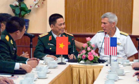 Admiral Samuel J. Locklear, CDR USPACOM and Director General of the Institute for Defense Strategy, Lt Gen Nguyen Chien in Hanoi, Dec. 10, 2013. U.S. Army photo.