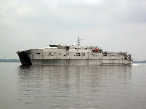 USNS SPEARHED leaving Douala in March 2015 (Photo: Dirk Steffen).