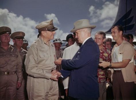 01 Nov 1950, Wake Island --- 10/15/1950-Wake Island: President Harry Truman decorates General Douglas Mac Arthur with the Medal of Merit. --- Image by © Bettmann/CORBIS