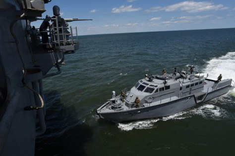 Coastal Riverine Squadron Four (CRS-4) conducted well deck operations with the Mark VI patrol boat for the first time aboard amphibious assault ship USS Bataan (LHD 5) May 15, 2016. (Naval Today)