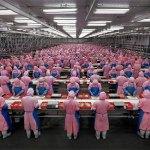 Lavorare in Cina: le emozionanti foto di Burtynsky delle fabbriche cinesi