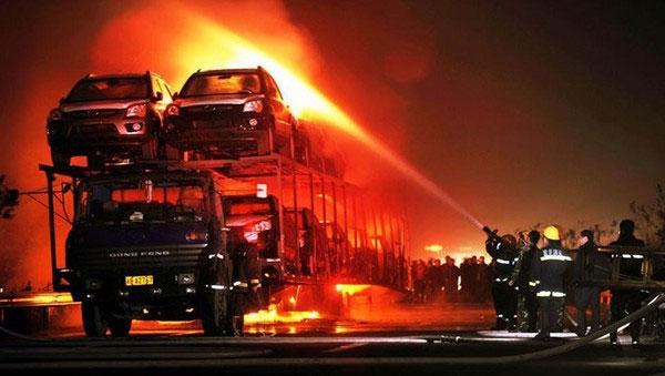 20_cars_on_my_fire_4-Incendio autotrasporto