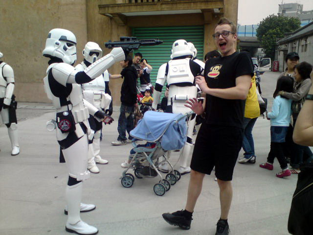 Life_of_a_Chinese_Stormtrooper-02