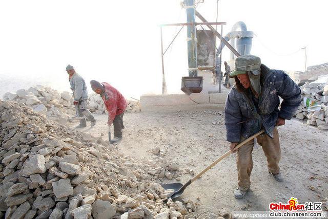 Xinjiang-Toksun-workers-005