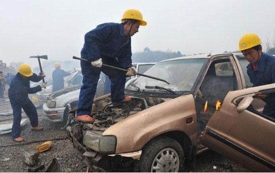 smashing-cars-4