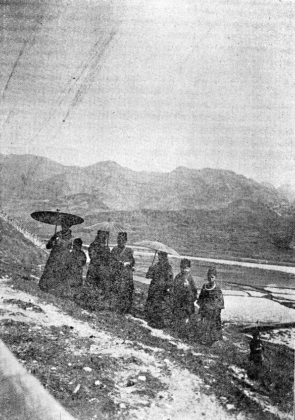 Un gruppo di donne dell'etnia Miao