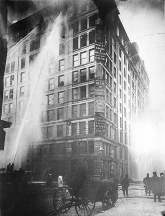 550px-Image_of_Triangle_Shirtwaist_Factory_fire_on_March_25_-_1911